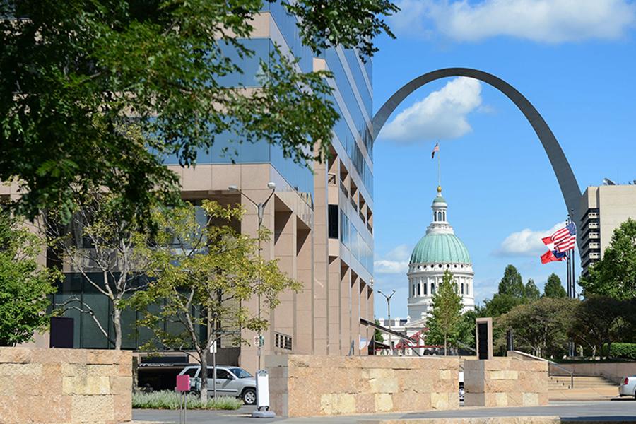 downtown st louis missouri gateway arch